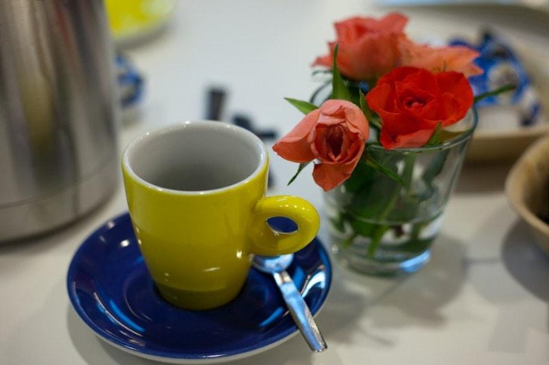 kleurig koffiekopje