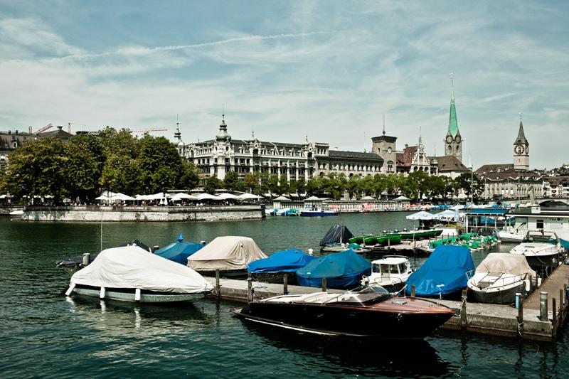 Vakantie is bootjes kijken in Zurich.