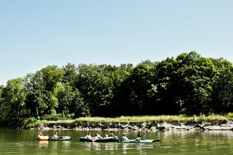 Vakantie is dobberen in een bootje op een rivier.